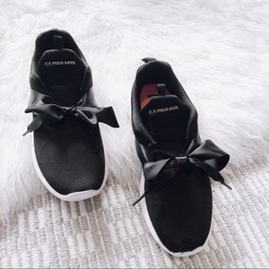 Shoes - Bow Sneakers